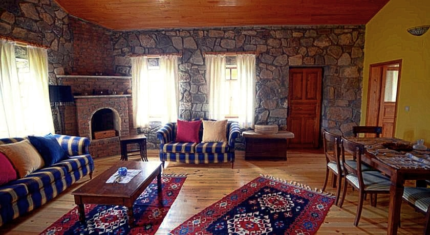 Dalyan Guide - Accommodation Suggestion - Private Villas for Rent - Dalyan Palm House - 5