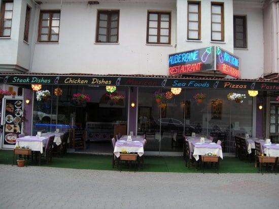 aubergine exterior 2