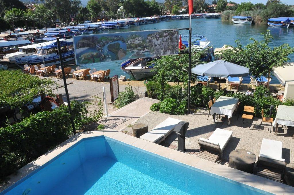 Palmyra Hotel pool